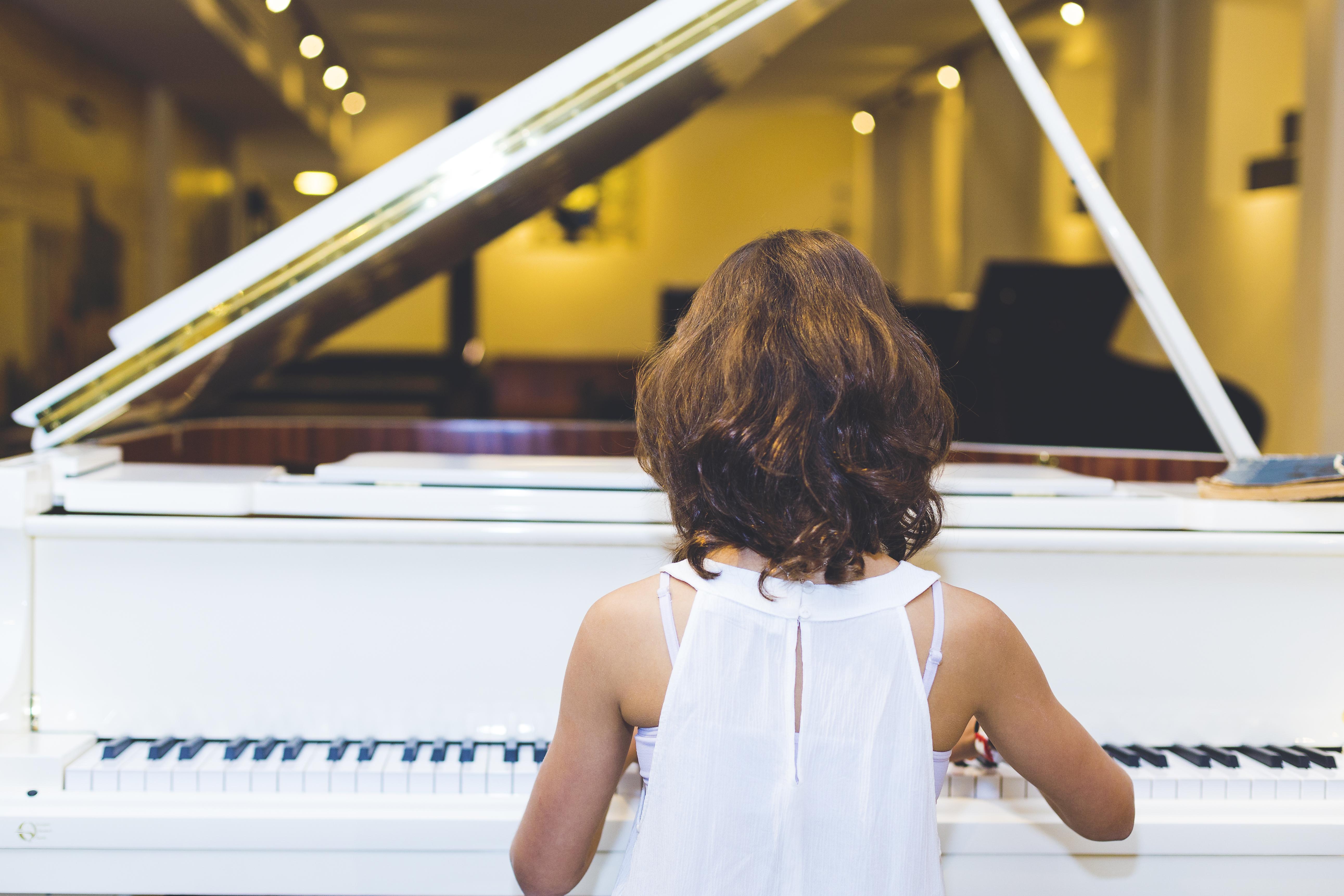 באיזה גיל אפשר להתחיל לנגן בפסנתר?